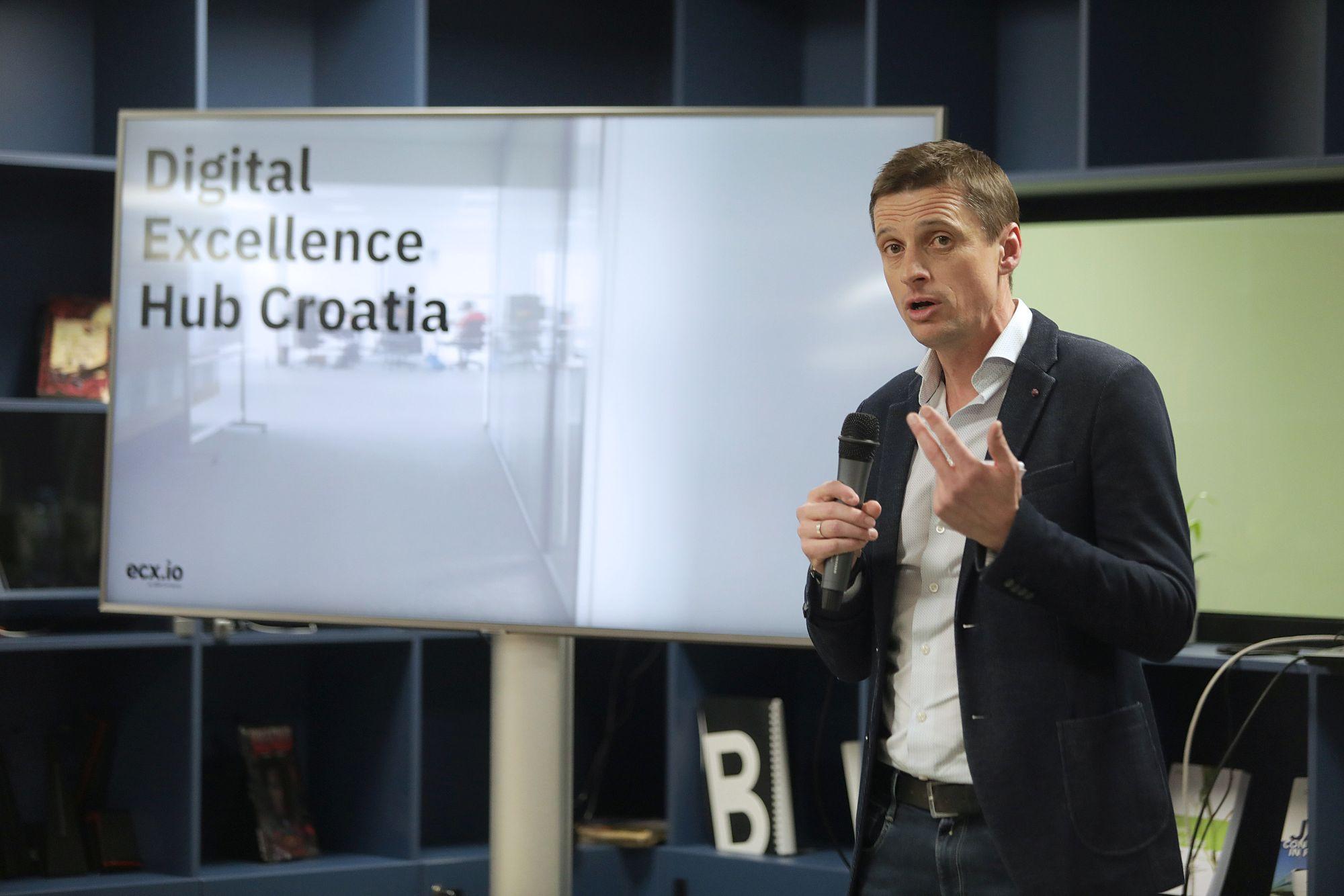 IBM - Helmut Nachbauer - Direktor ecx.io