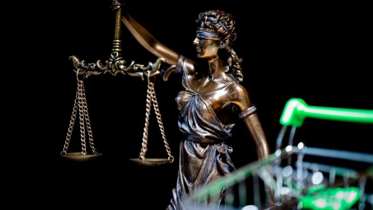 justitia-4777073_1920